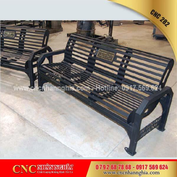 bàn ghế sắt mỹ nghệ cnc 282