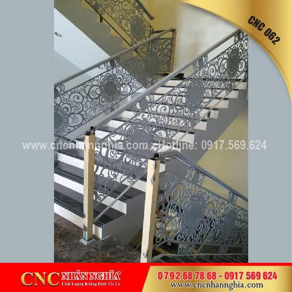 mẫu cầu thang sắt đẹp 062