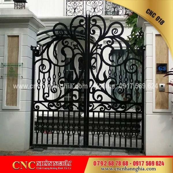 cửa sắt hoa văn cnc 018